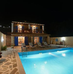 Paramonas Villa Sleeps 4 Pool Air Con Wifi photos Exterior