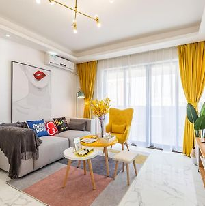 Sen'S Mansion Locals Apt00168290,Close To Tuanda Subway Station & Harbour City & Fabric Market & Star Light Electric Appliance City & Beijing Road & High-Rise Elevator & Room 3 photos Exterior