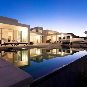 Luxury Beachfront Homes photos Exterior
