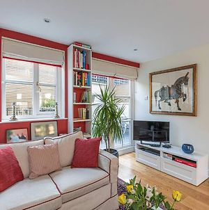 Lovely 2Bed House In Wandsworth W/ Backyard Patio photos Exterior