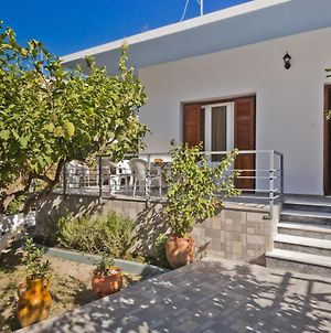 Villa Anna In Center Of Karpathos photos Exterior