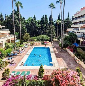 Spacious 3-Bedroom Apartment On The Second Line From The Beach In The Center Of Marbella, In The Parque Marbella Building. photos Exterior