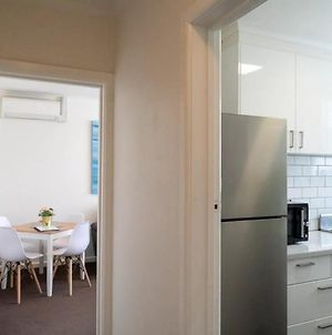 Comfortable New 1 Bedroom Apartment In St Klidas photos Exterior