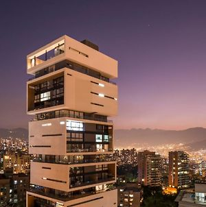 Energy Living - Iconic 5 Star Condo - Close To Lleras photos Exterior