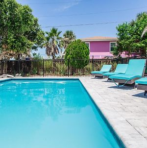 Sea Spray Beach House, 5 Bedrooms, Private Pool, Sleeps 17 photos Exterior