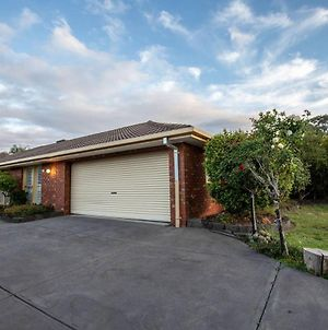 Quiet & Peaceful 3Bed2Bath Home @Keilor Downs photos Exterior