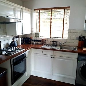 Wirral Home With Netflix, 60In Tv, Superfast Wifi, Parking, Near Lpool photos Exterior