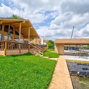 Splash Time! 4Br Lake Lbj Waterfront W/ Boat Dock photos Exterior