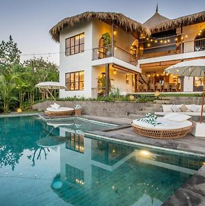 Stunning Villas Complex 12 Bedroom Canggu W Staff photos Exterior