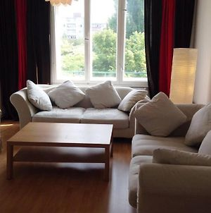 Lovely Apartment Close To U-Bahn And City photos Exterior