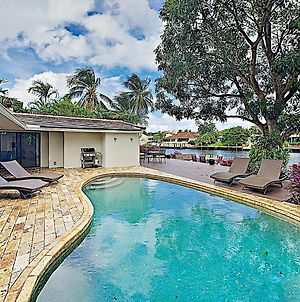 Luxe Waterfront Home: Pool, Boat Dock, Near Beach Home photos Exterior