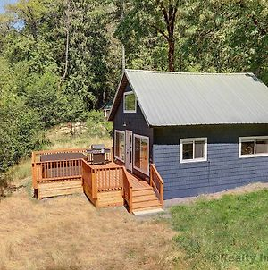 Riverbend Cabins 2&3 W/Private Hot Tubs! photos Exterior