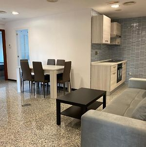 Luxurious 5 Bedroom Apartment For 10 Persons In Moncloa-Aravaca photos Exterior