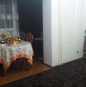 Fully Furnished And Equipped Apartment In The Centre Of Dushanbe, Very Close To Somoni Square photos Exterior