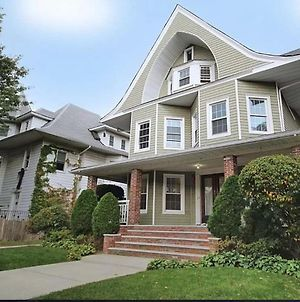 Gorgeous Victorian House!! photos Exterior