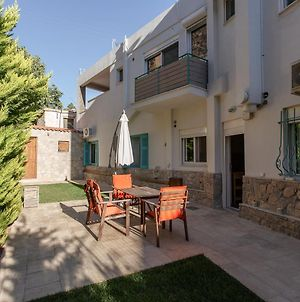 Argo - Your Luxury Stay With Private Garden In Loutraki photos Exterior