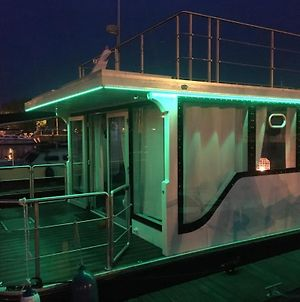 Sunset Houseboat photos Exterior