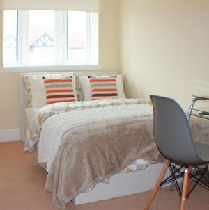 Worthing Beachfront Home Stay Room photos Exterior
