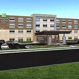 Holiday Inn Express & Suites - Grand Rapids Airport - South photos Exterior