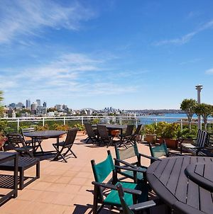 Newly-Renovated Studio With Sweeping Bay Views photos Exterior