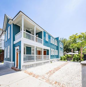 Luxuriously Renovated Home - 1 Block From King St! photos Exterior