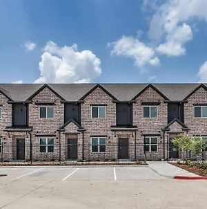 Brand New Fully Furnished Condo In Aggieland! #306 photos Exterior