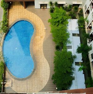 Spacious 1Br Apartment At Serpong Greenview By Travelio photos Exterior
