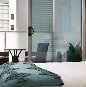 Chic And Modern Apartment In The Heart Of Burwood photos Exterior