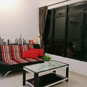 Meridin Medini Home Sweet Home For 5 Pax 3 Mins To Legoland photos Exterior