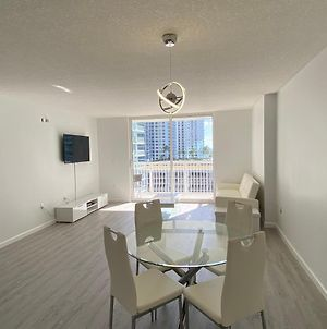 Chic And Modern, Brickell / Miami + Free Parking photos Exterior