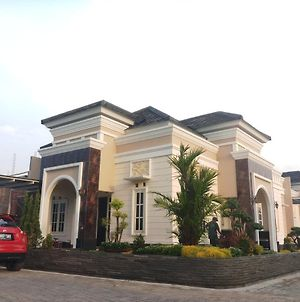 Miracle Guest House photos Exterior