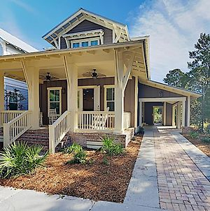 New Listing! Charming Craftsman Home W/ Pool Home photos Exterior