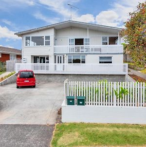Fabulous Three Bedroom Home In Pakuranga photos Exterior
