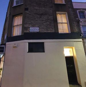 Double Room In Portobello Road London . photos Exterior