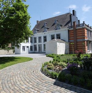 Spacious, Swanky And Elegant Mansion, Looking Like A Dream Next To The Meuse River photos Exterior