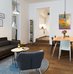 Upper Westside - 3 Bedroom Interior Designed Apartment By Bensimon Apartments photos Exterior