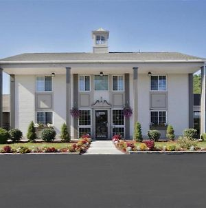 Americas Best Value Inn Albany East Greenbush photos Exterior