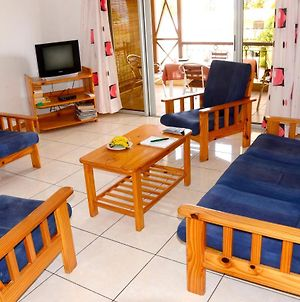 Apartment With 3 Bedrooms In Blue Bay With Wonderful Sea View Enclosed Garden And Wifi 300 M From The Beach photos Exterior