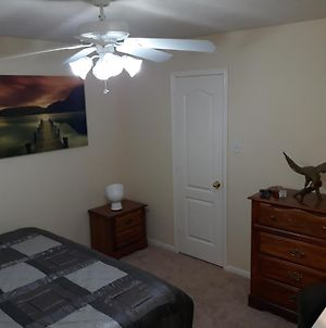 Spacious Home - Private Bed Room, Family / Game Room, Guest Office photos Exterior