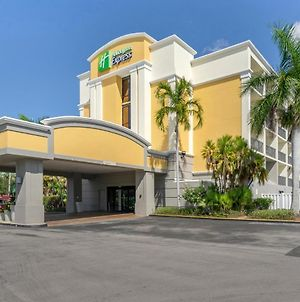 Holiday Inn Express Cape Coral-Fort Myers Area, An Ihg Hotel photos Exterior