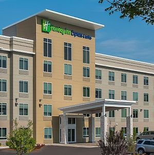 Holiday Inn Express & Suites Norwood, An Ihg Hotel photos Exterior