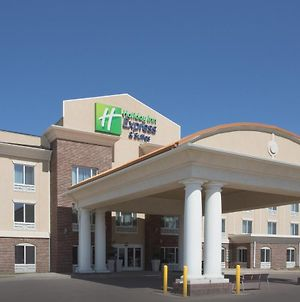 Holiday Inn Express Hotel & Suites Minot South, An Ihg Hotel photos Exterior