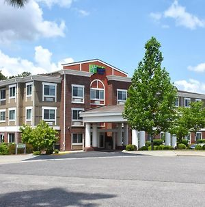 Holiday Inn Express & Suites Southern Pines-Pinehurst Area, An Ihg Hotel photos Exterior