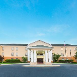 Holiday Inn Express & Suites Burlington - Mount Holly photos Exterior