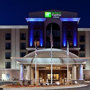 Holiday Inn Express Hotel & Suites Hope Mills-Fayetteville Airport, An Ihg Hotel photos Exterior