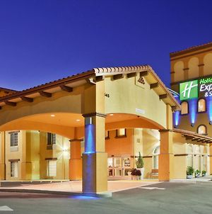 Holiday Inn Express Hotel & Suites Willows, An Ihg Hotel photos Exterior