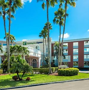 Holiday Inn Express Miami Airport Doral Area photos Exterior