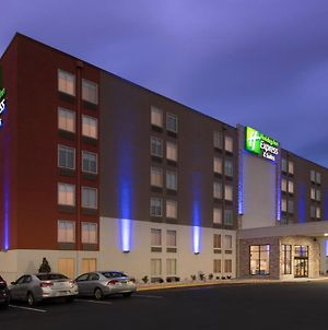 Holiday Inn Express & Suites College Park-University Area photos Exterior