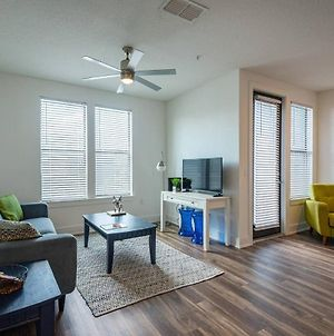 Coastal And Vibrant 1 And 2Br Apt In Hyde Park photos Exterior