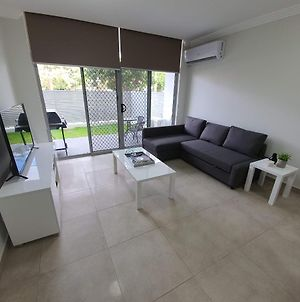 New Apartment In Prime Location In Penrith photos Exterior